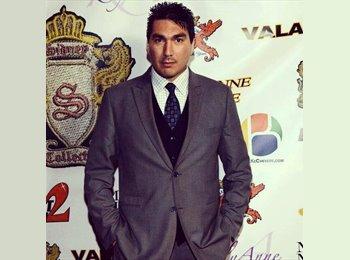 Ernesto Valdez  - 32 - Professional