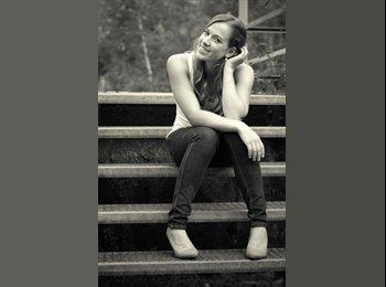 Johanna Geiss  - 23 - Student