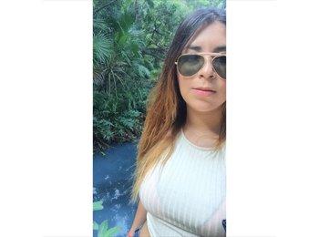 alejandra lluch - 23 - Student