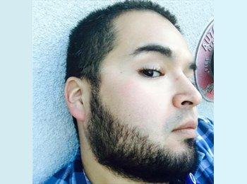 EasyRoommate US - Luis Velarde - 31 - San Diego
