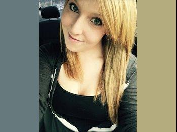 Amanda - 25 - Professional