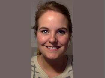 Sarah  - 24 - Student