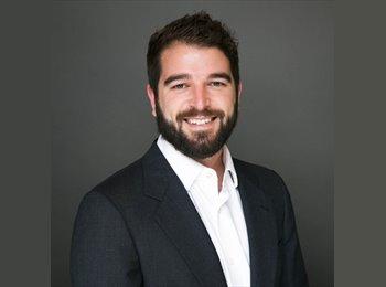 Joe L. - 27 - Professional