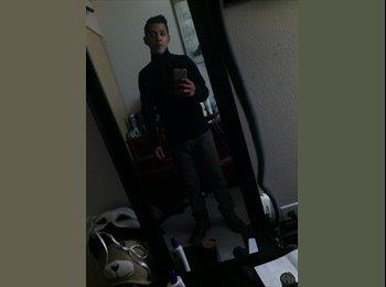 Carlos - 22