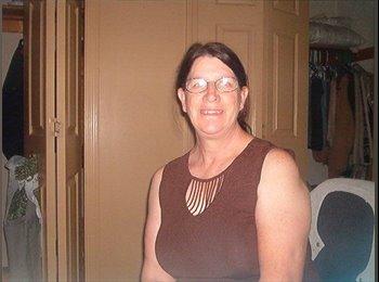 EasyRoommate US - Patricia - 56 - Orlando Area