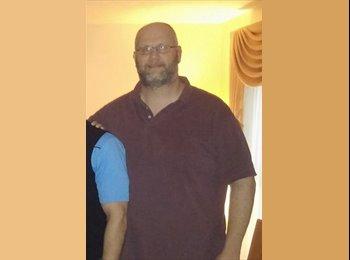 EasyRoommate US - Jason Taylor - 42 - Cincinatti Area