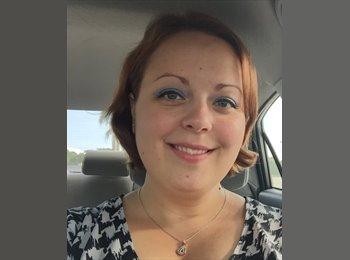 Lauren Yezdimir - 30 - Professional