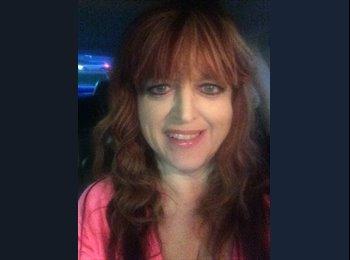 EasyRoommate US - Judy Moote - 50 - San Diego