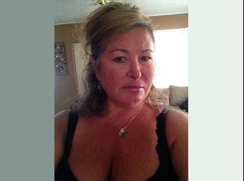 EasyRoommate US - Michelle - 49 - Ft Lauderdale