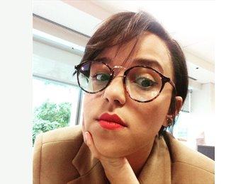 EasyRoommate US - Priscila A. de Souza - 28 - United States