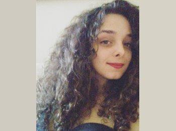 Amber - 22 - Student