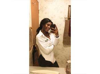 Eboni  - 18 - Student
