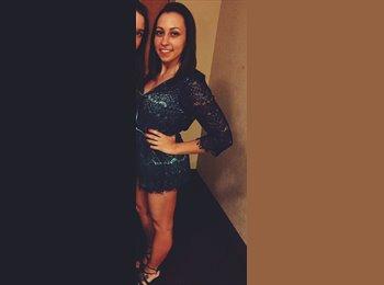 Stephanie Wakefield - 21 - Student