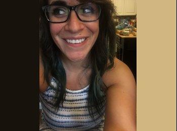 EasyRoommate US - Danielle - 27 - Tampa