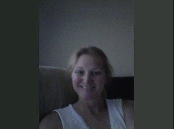 EasyRoommate US - Michelle Ravlin  - 49 - Sacramento Area