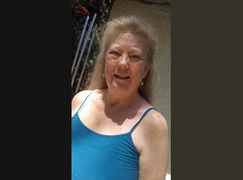 EasyRoommate US - Suzanne - 60 - United States