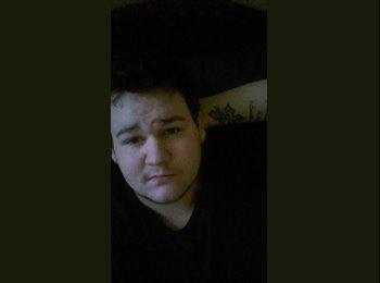 EasyRoommate US - Christopher - 18 - Dallas