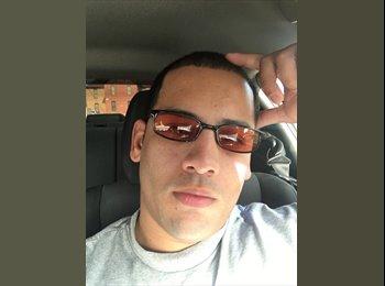 EasyRoommate US - Jhonathan - 28 - El Paso