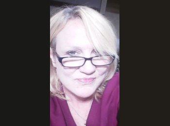 EasyRoommate US - Lori Cox - 46 - Kansas City