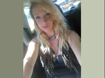 EasyRoommate US - Brittany Reinhardt - 23 - Ft Lauderdale
