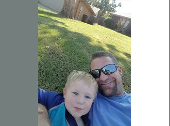 EasyRoommate US - Christopher - 36 - Oklahoma City