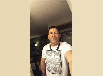 EasyRoommate US - Gilberto Blancovith - 44 - Elyria Swansea