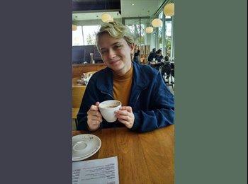 EasyRoommate US - Jasmine - 18 - Ann Arbor