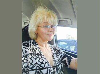 EasyRoommate US - Linda - 54 - Scottsdale