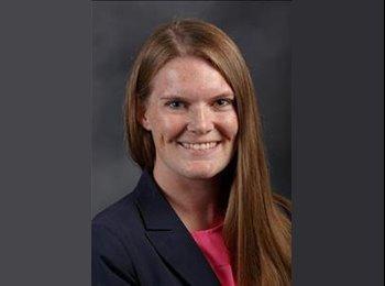 Erin - 29 - Professional