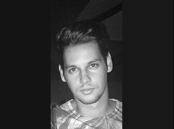 EasyRoommate US - Mathieu Duverney - 22 - Tucson