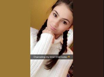 Viktoriya F. - 19 - Student