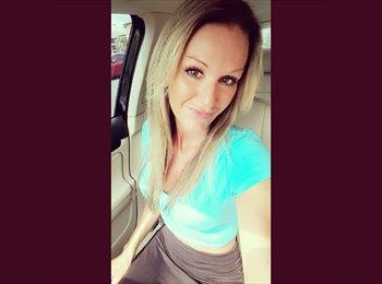 EasyRoommate US - Nicole - 36 - Orlando