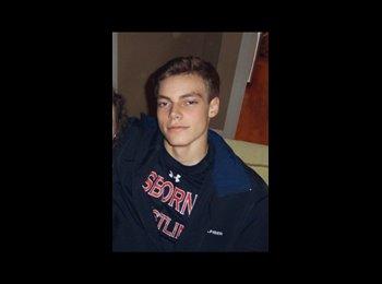 EasyRoommate US - Blake Gardner - 18 - Canton
