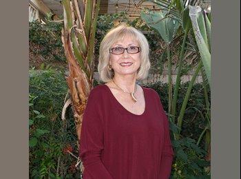 EasyRoommate US - Dora Lampley - 65 - Lakewood