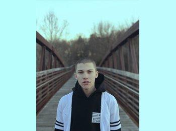 EasyRoommate US - Justin Heroldt - 18 - Nashville