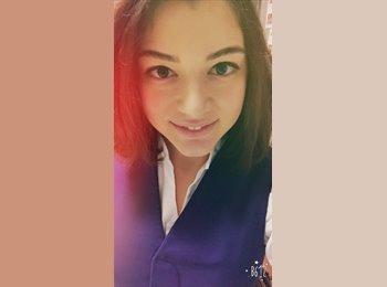 EasyRoommate US - Shirin Salimova - 22 - Chicago
