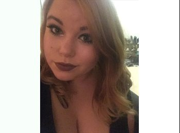 EasyRoommate US - Carly - 21 - Chicago