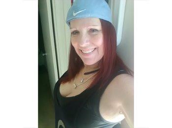 EasyRoommate US - Patricia Green - 49 - Tustin