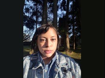 EasyRoommate US - Jocelyn - 25 - Oakland