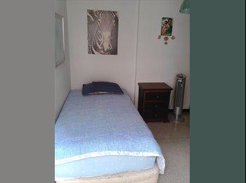 CompartoApto VE - habitacion para dama en av. romulo gallegos 8.500 - Sucre, Caracas - BsF 8.500 por mes