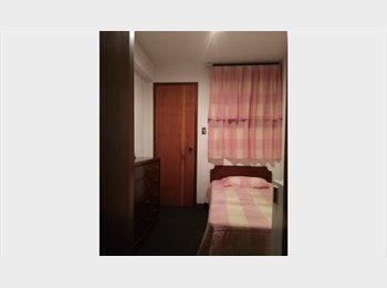 CompartoApto VE - Se Alquila Confortable Habitación. - Chacao, Caracas - BsF 18.000 por mes