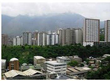 CompartoApto VE - ALQUILO HABITACION CON O SIN ESTACIONAMIENTO - Sucre, Caracas - BsF 12.000 por mes