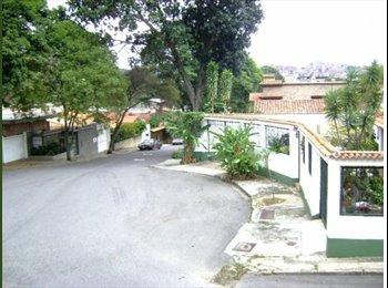CompartoApto VE - Se alquila cómodo anexo en el Marques, totalmente amoblado y equipado con puesto de estacionamiento - Sucre, Caracas - BsF 45.000 por mes
