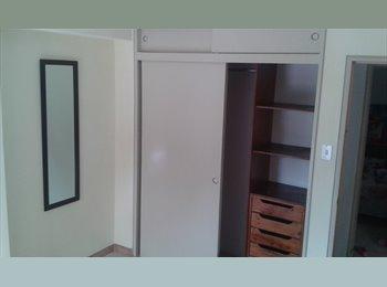 CompartoApto VE - Alquilo bella habitación en la Urbina para 1 o 2 personas (Se aceptan parejas), Caracas - BsF 40.000 por mes