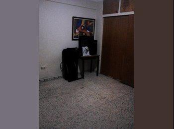 CompartoApto VE - Habitacion Amplia en Alquiler (suroeste), Caracas - BsF 30.000 por mes