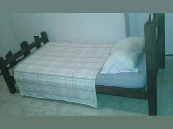 CompartoApto VE - Se Alquila Habitación en el Paraíso , Caracas - BsF 75.000 por mes