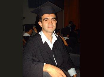 James Posada - 28 - Estudiante