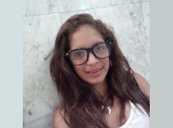 Thiany - 18 - Estudiante