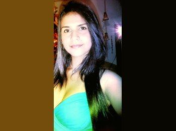 Natacha Tosta - 18 - Estudiante