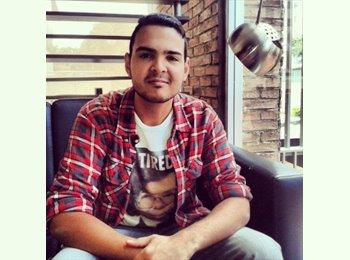 Javier castillo - 21 - Estudiante
